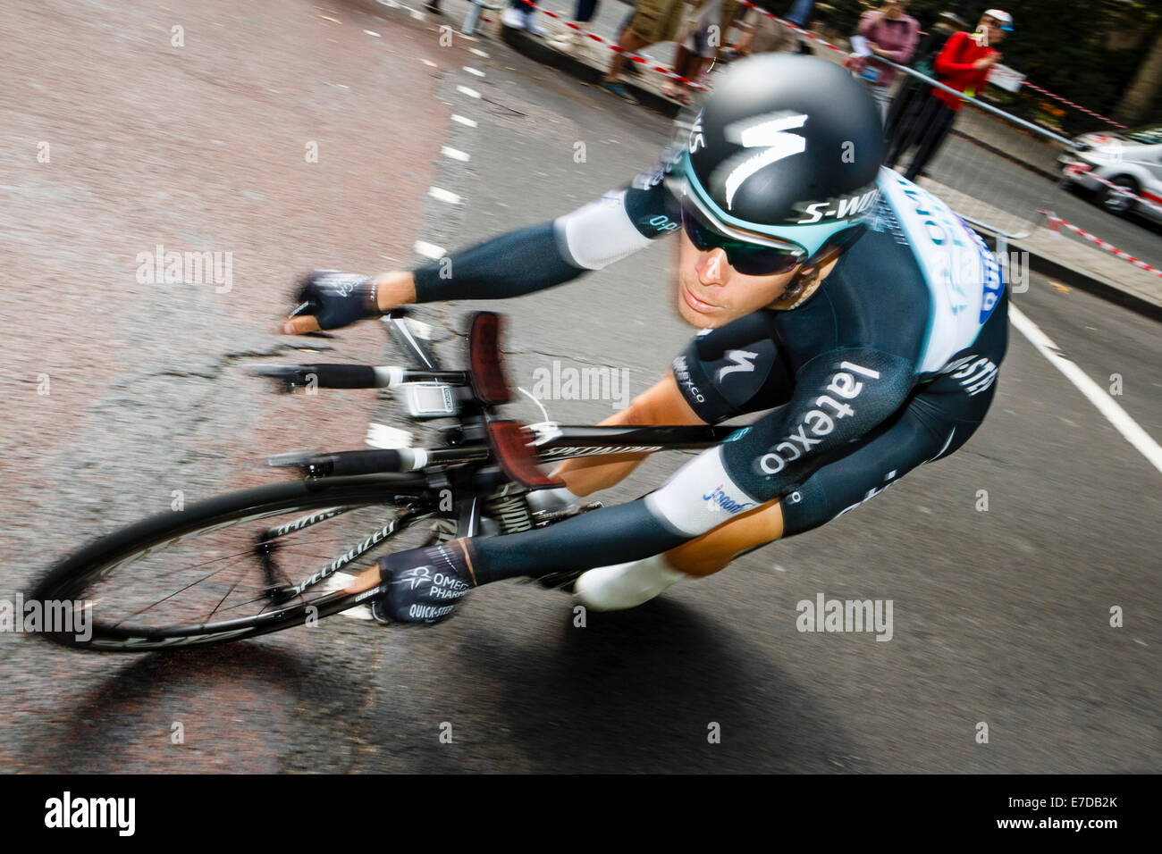 London, UK. 14th September 2014. Belgian rider JULIEN VERMOTE  of team Omega Pharma Quickstep competes in the individual - Stock Image