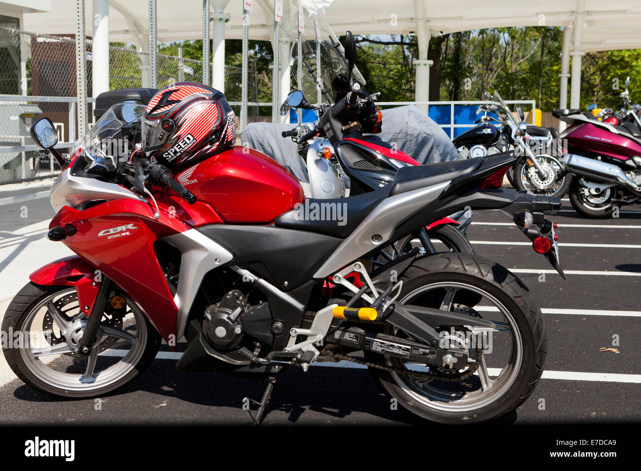 free motorcycle parking knightsbridge  Motorcycle Parking Area Stock Photos