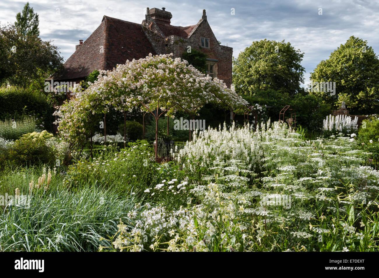 Weißer Garten Sissinghurst vita sackville white garden stock photos vita sackville