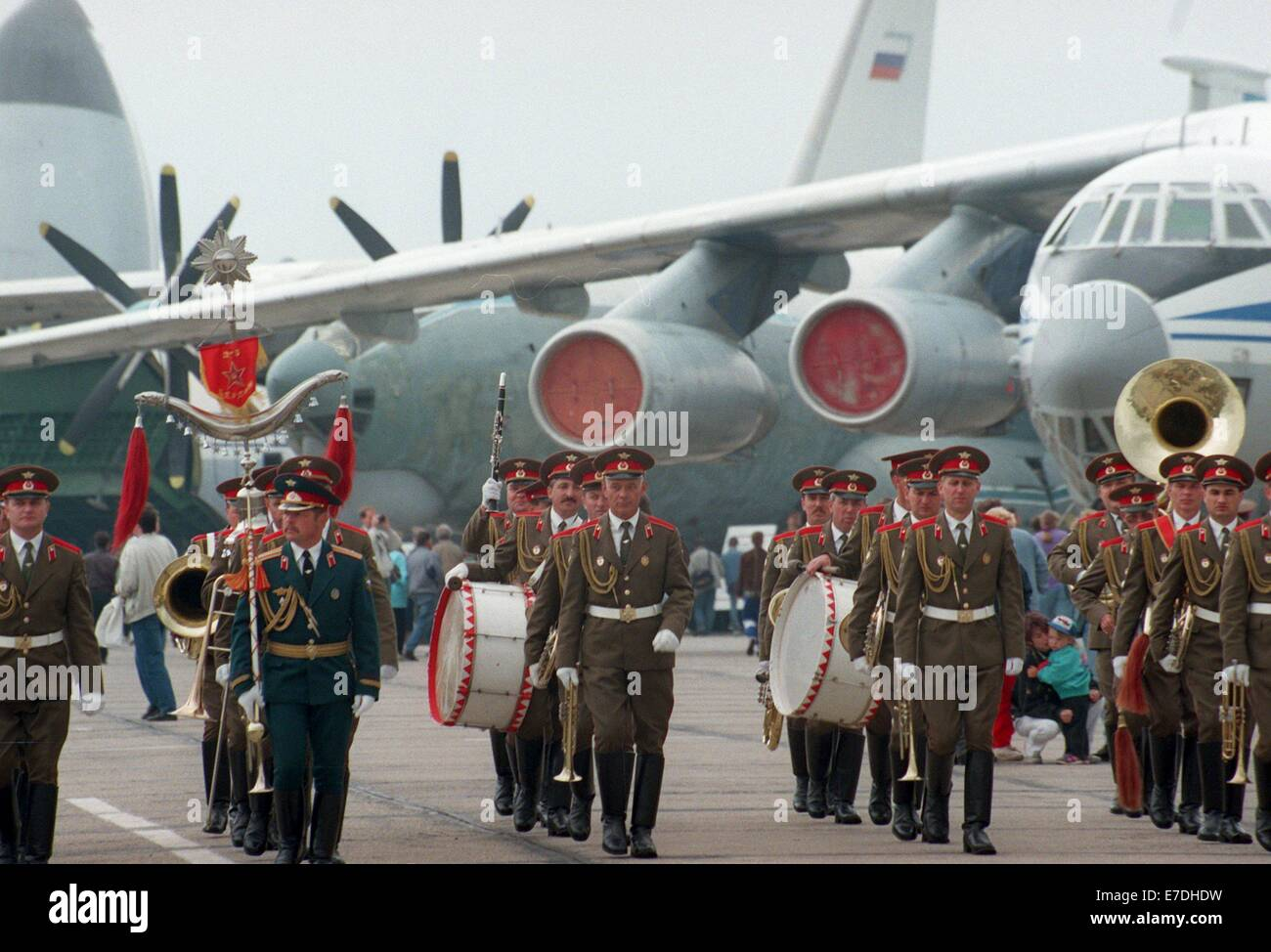 Units of the west group of Russian troops leave the Sperenberg military airport with a military ceremony near Zossen, - Stock Image