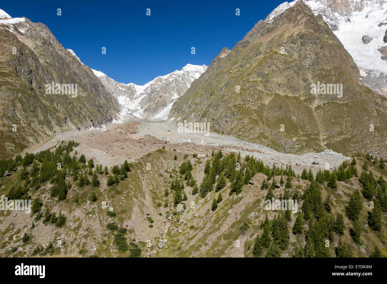 Lateral Moraine on the side of the rapidly retreating Glacier de Miage below Mont Blanc, Italy. - Stock Image