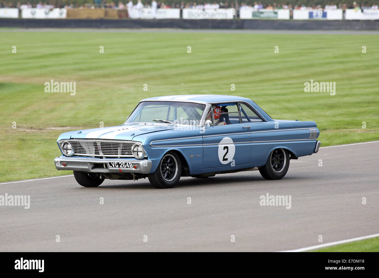Chichester, West Sussex, UK. 13th Sep, 2014. Pictures from the Goodwood Revival 2014 - The Shelby Cup - A race for Stock Photo