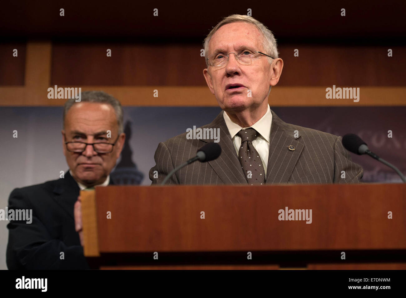 US Democratic Senators Harry Reid calls for bipartisan cooperation in giving the President the ability to combat - Stock Image