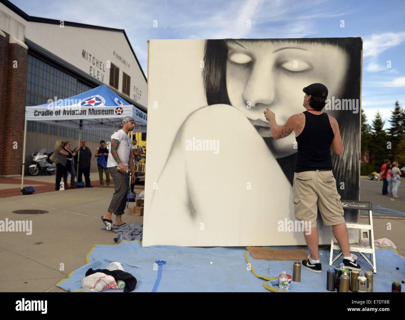 Garden City, New York, USA. 14th Sep, 2014. SEAN GRIFFEN, aka NME, of Freeport, is a graffiti artist creating an - Stock Image