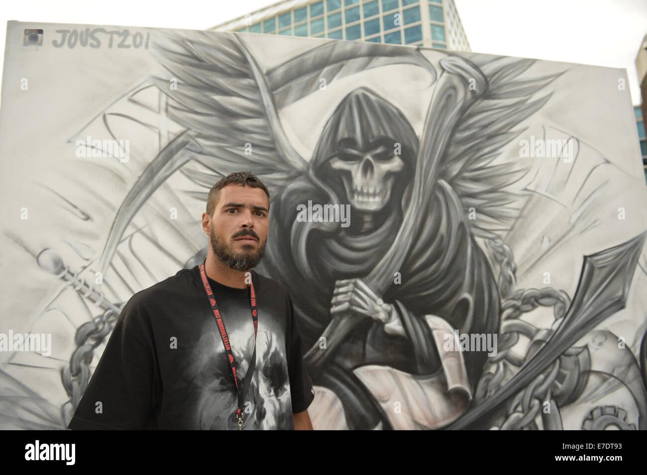 Garden City, New York, USA. 14th Sep, 2014. DAN AZACETA, aka JOUST201, from New Jersey, is a graffiti artist creating - Stock Image