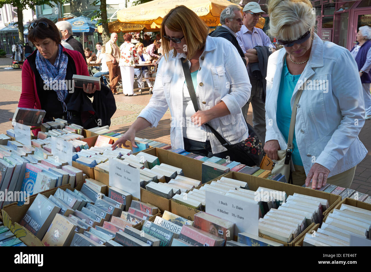 Secondhand books for sales at a flea market, Leichlingen, Germany. - Stock Image