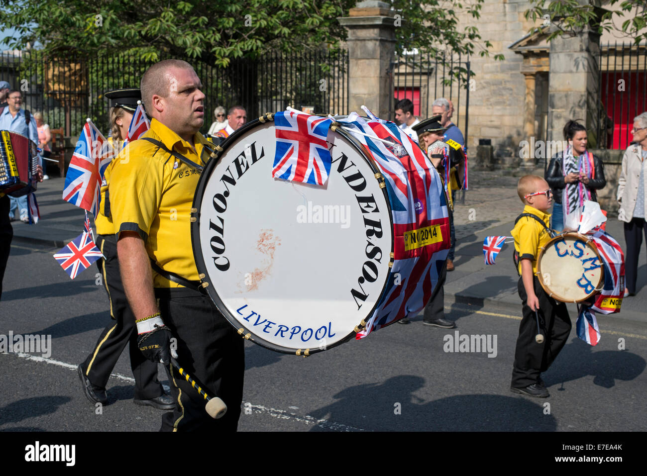 A loyalist band takes part in a pro-union rally in Edinburgh during the run up to the referendum on Scottish independence. - Stock Image