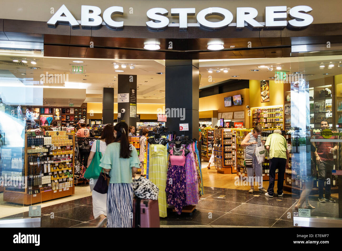 5c12ea348a4 Hawaii Oahu Hawaiian Honolulu Ala Moana Center centre mall shopping ...