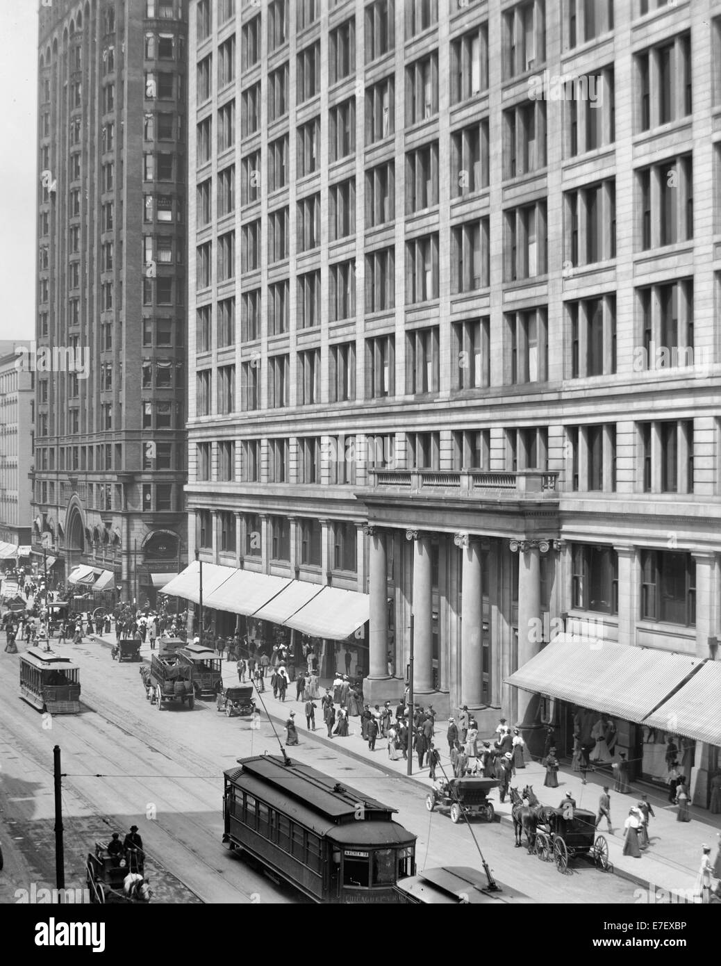 Marshall Field's (Marshall Field & Co.) store, Chicago, Illinois, circa 1910 - Stock Image