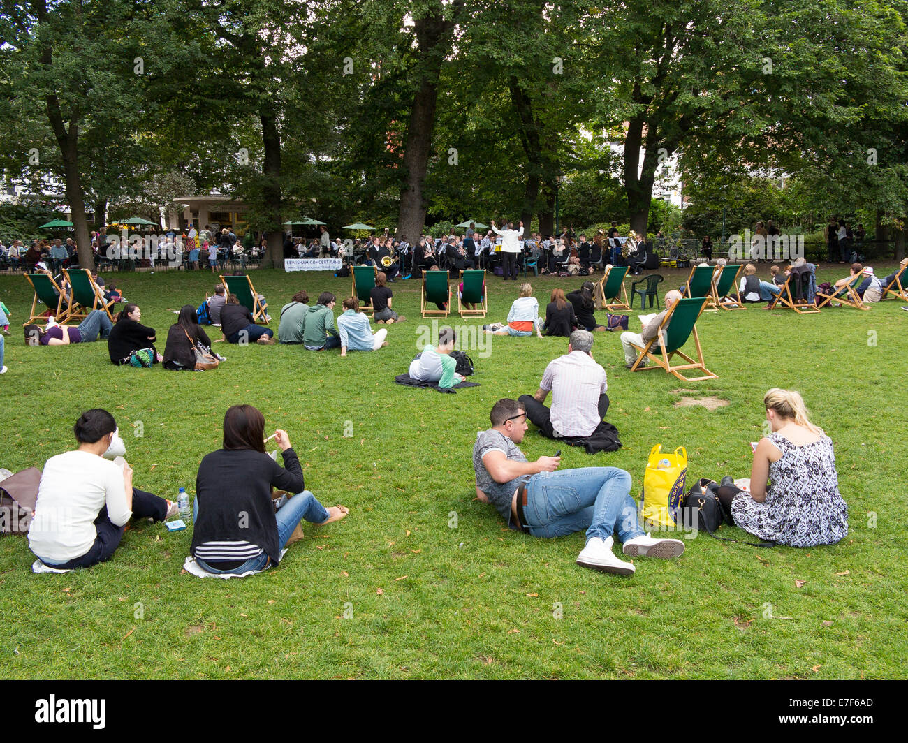31 Aug 2014, Brighton: The Lewisham Concert Band playing in the Royal Pavilion Gardens. - Stock Image