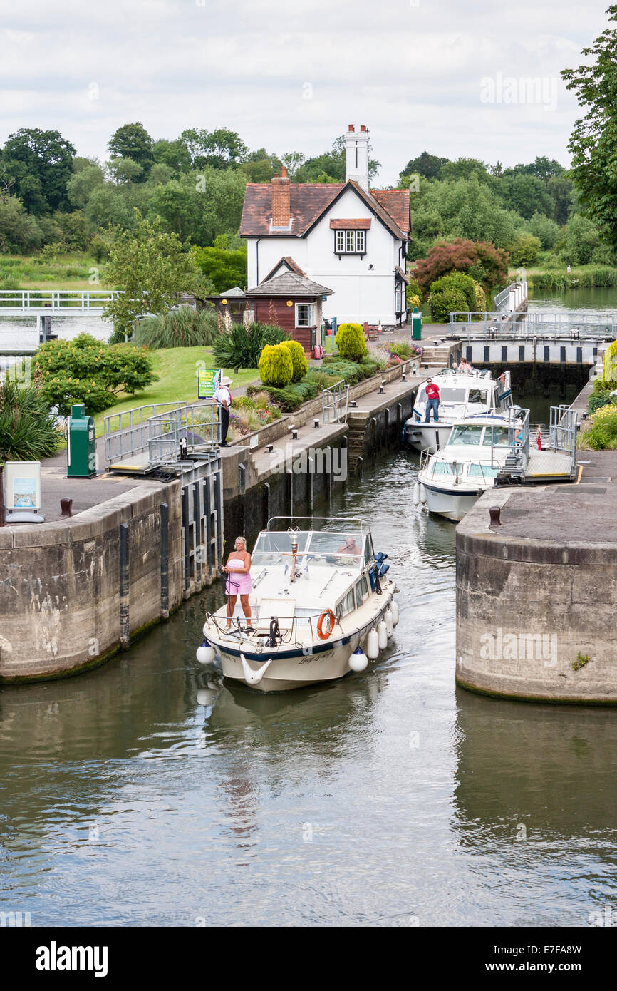 Goring lock, Goring-on-Thames, Berkshire, England, GB, UK. Stock Photo