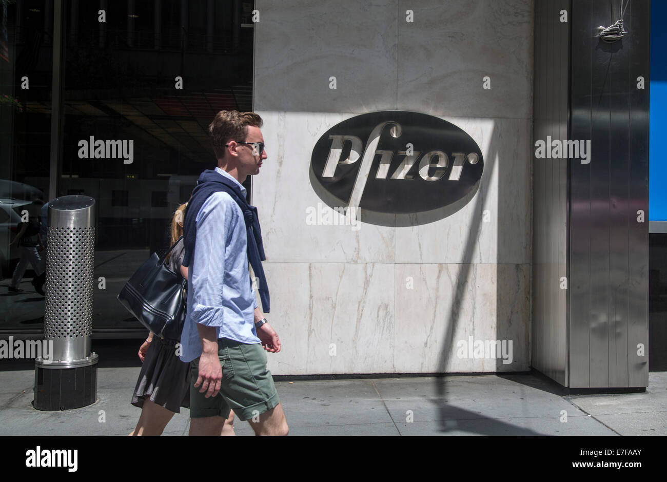 Pfizer Headquarters New York City Office Hq Viagra Stock Photo Alamy