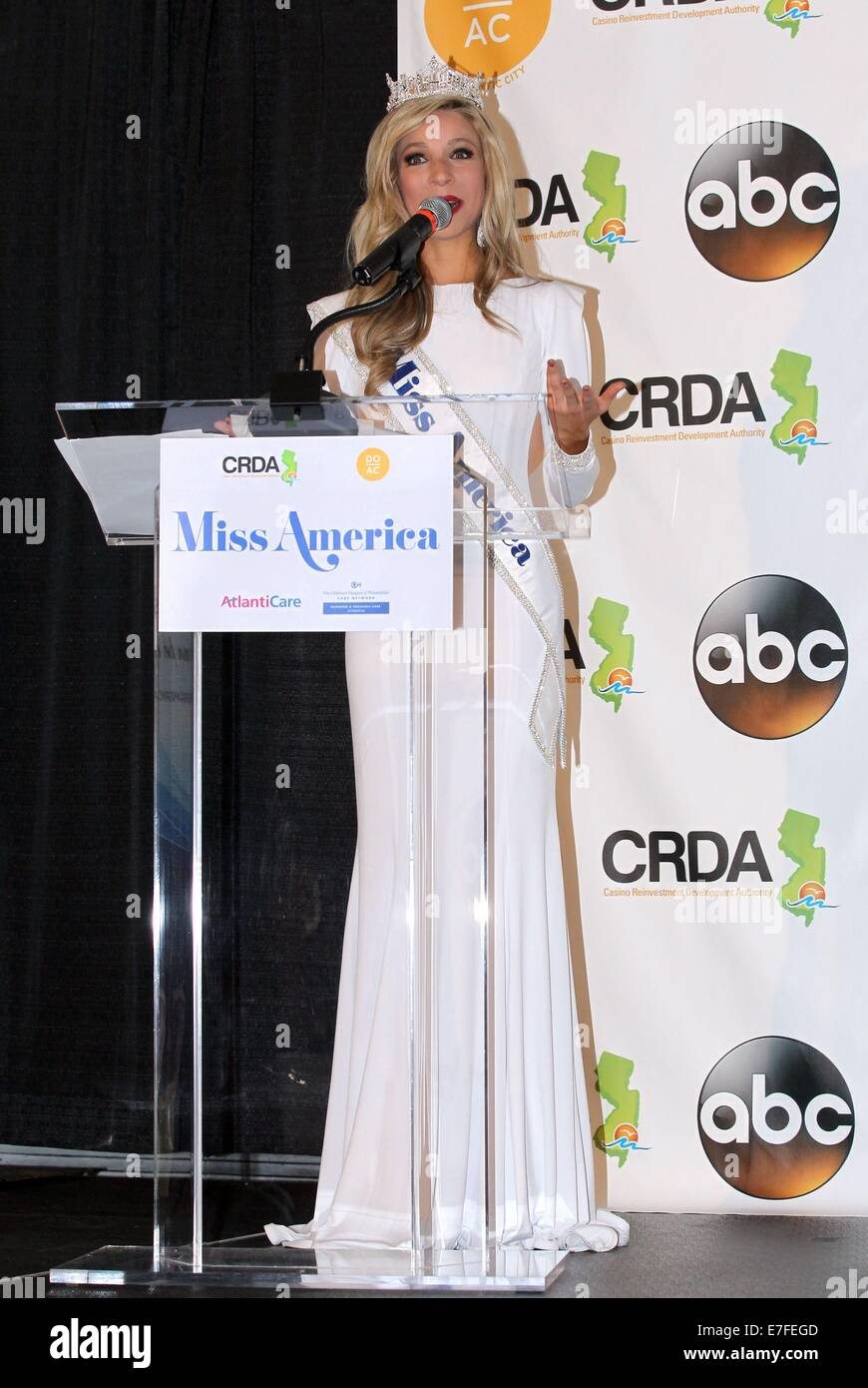 Atlantic City, NJ, USA. 15th Sep, 2014. 2015 Miss America, Kira Kazantsev, Miss New York in the press room for 2014 - Stock Image