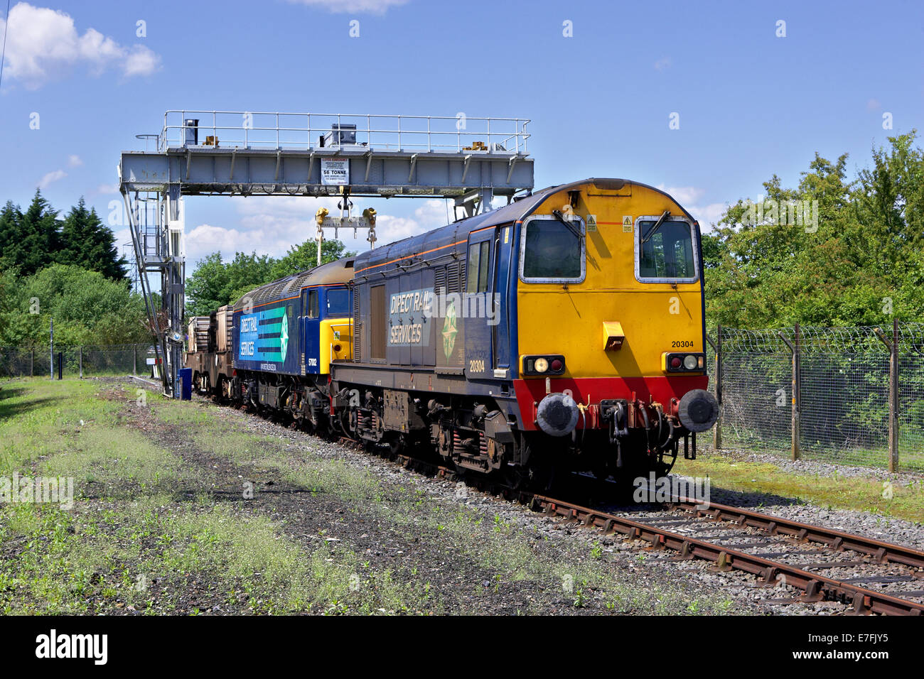 Nuclear flask train stock photos nuclear flask train stock images 20304 57002 await departure berkeley on the sharpness branch where a larger than usual load thecheapjerseys Gallery
