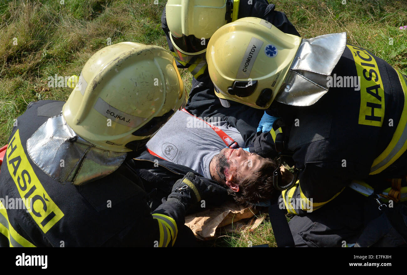 Hora Sv. Sebastiana, Czech Republic. 16th Sep, 2014. German and Czech rescue workers during a complex emergency - Stock Image