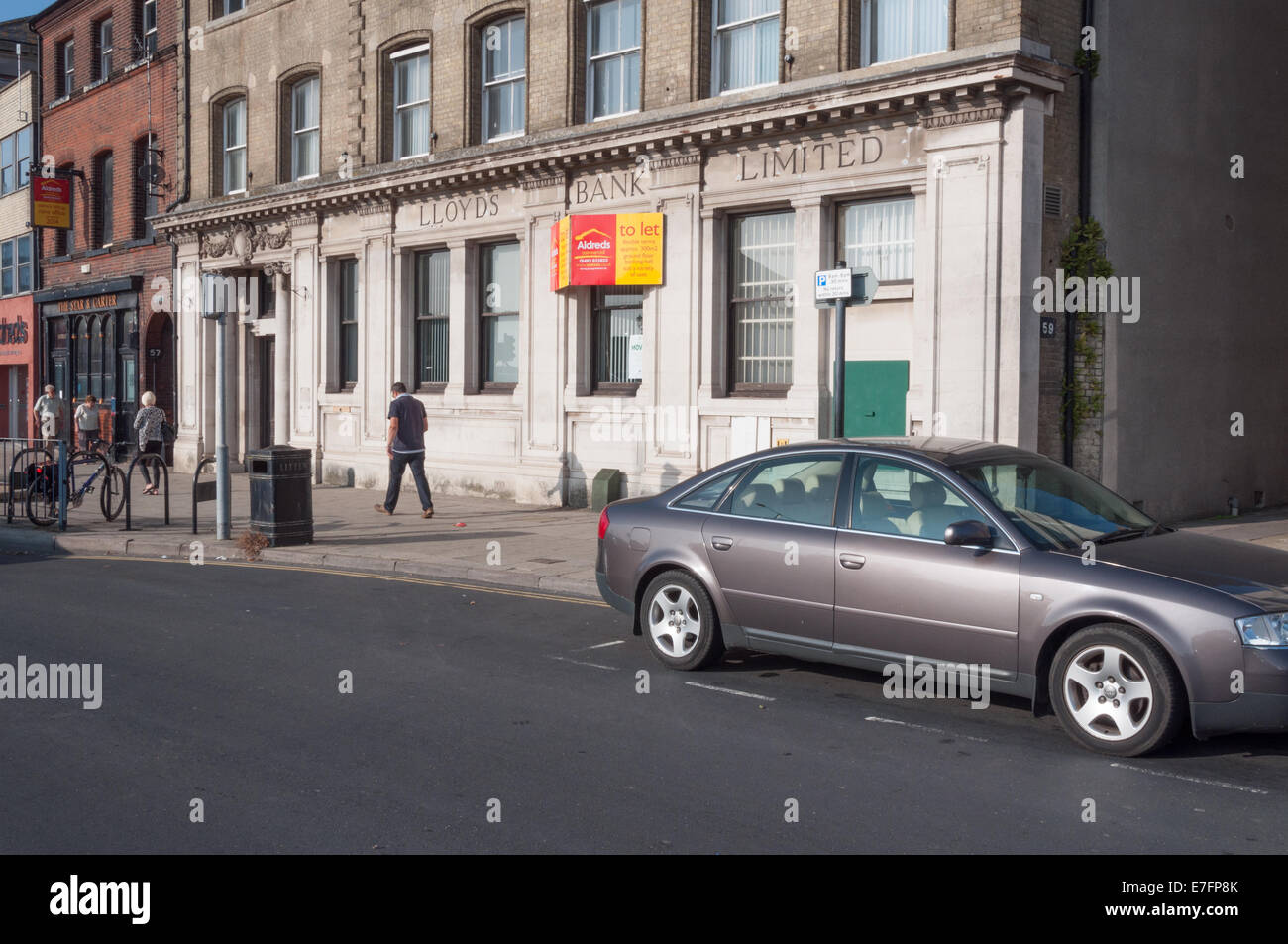 Closed former Lloyds Bank branch - Stock Image