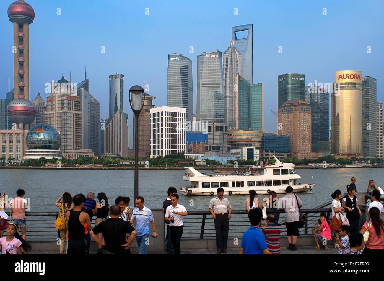 The Bund Promenade Shanghai China China Shanghai Tourist Shanghai