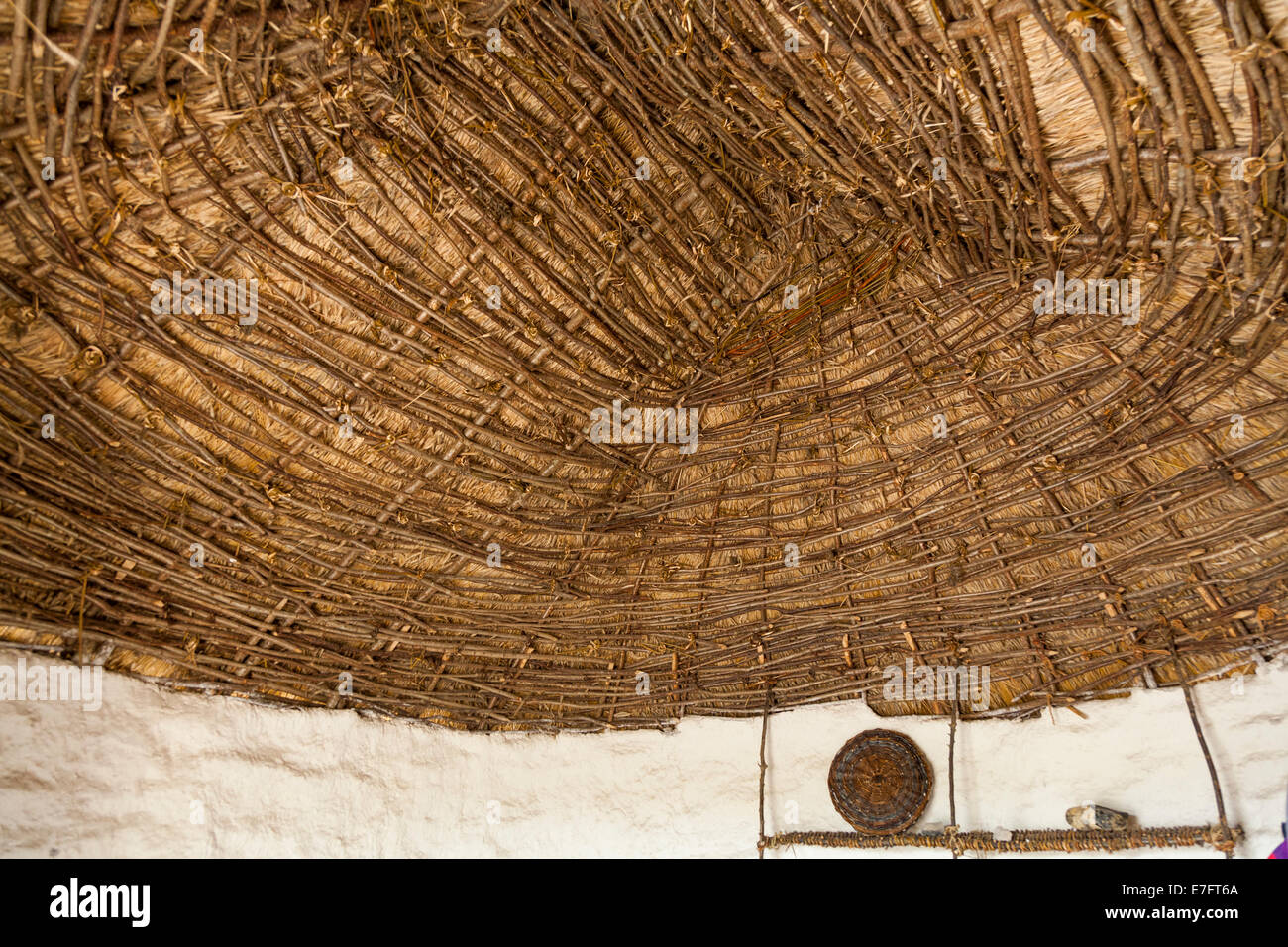 how to make a thatched roof hut