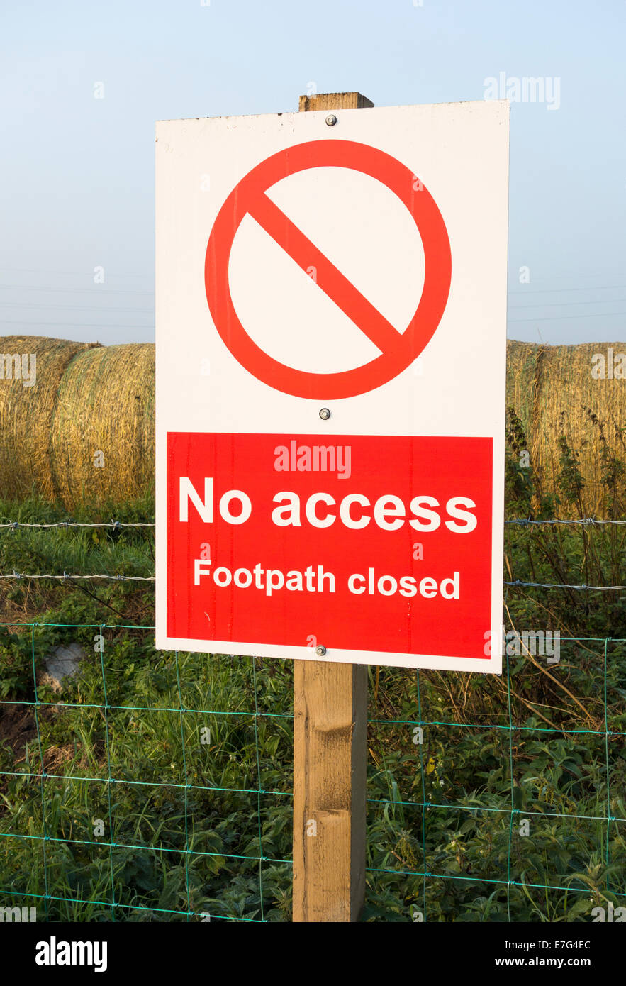 No access footpath closed sign near farm. England, UK - Stock Image