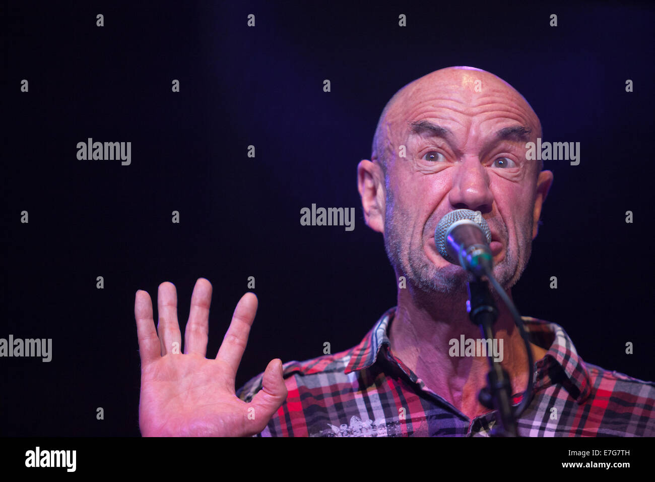 Edinburgh, Scotland, UK. 16th Sep, 2014. Tam Dean Burn reads from The Gruffalo during rehearsals for Blabbermouth. - Stock Image