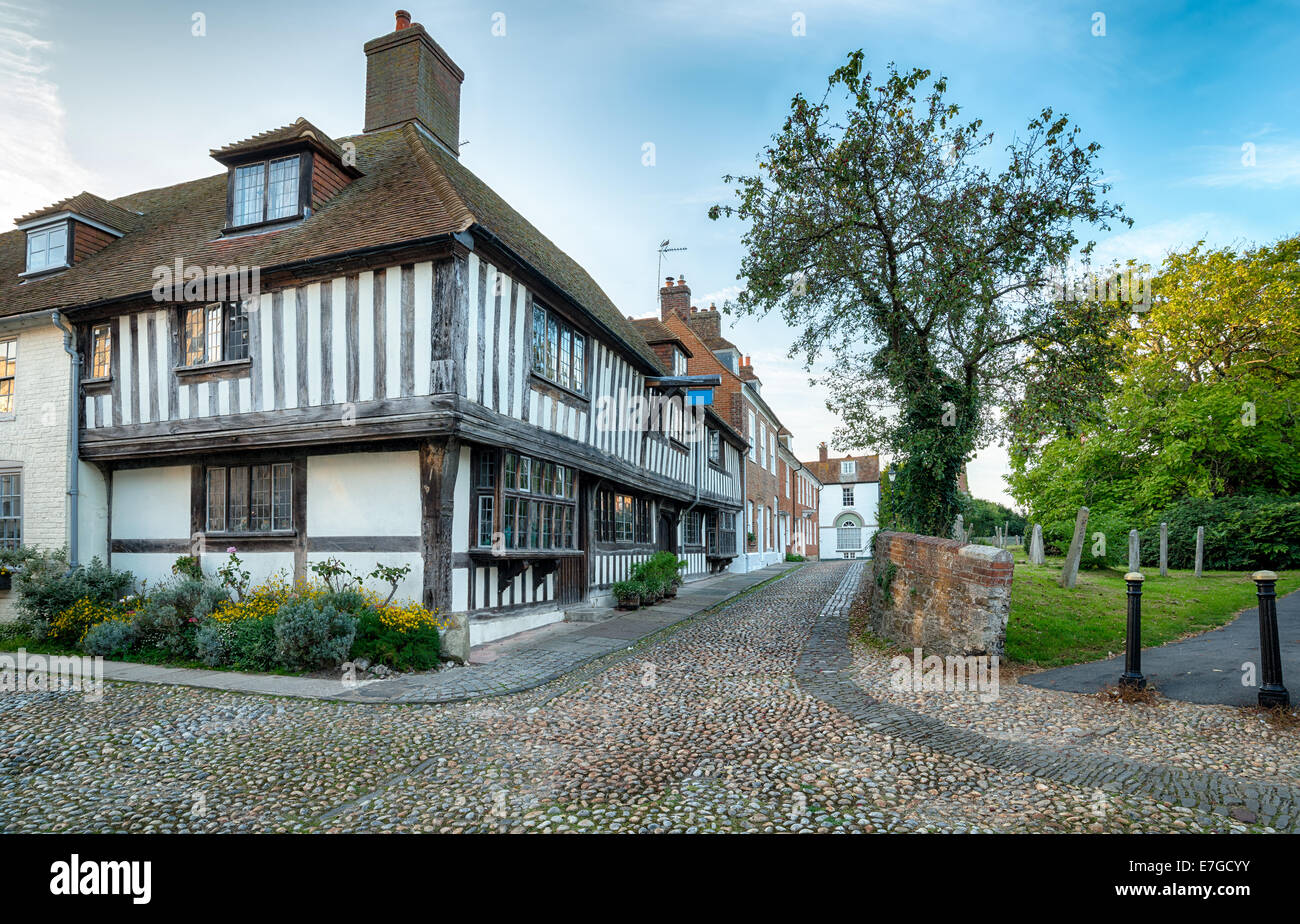 Cobblestone streets andhalf timbered Tudor houses in Rye, East Sussex - Stock Image