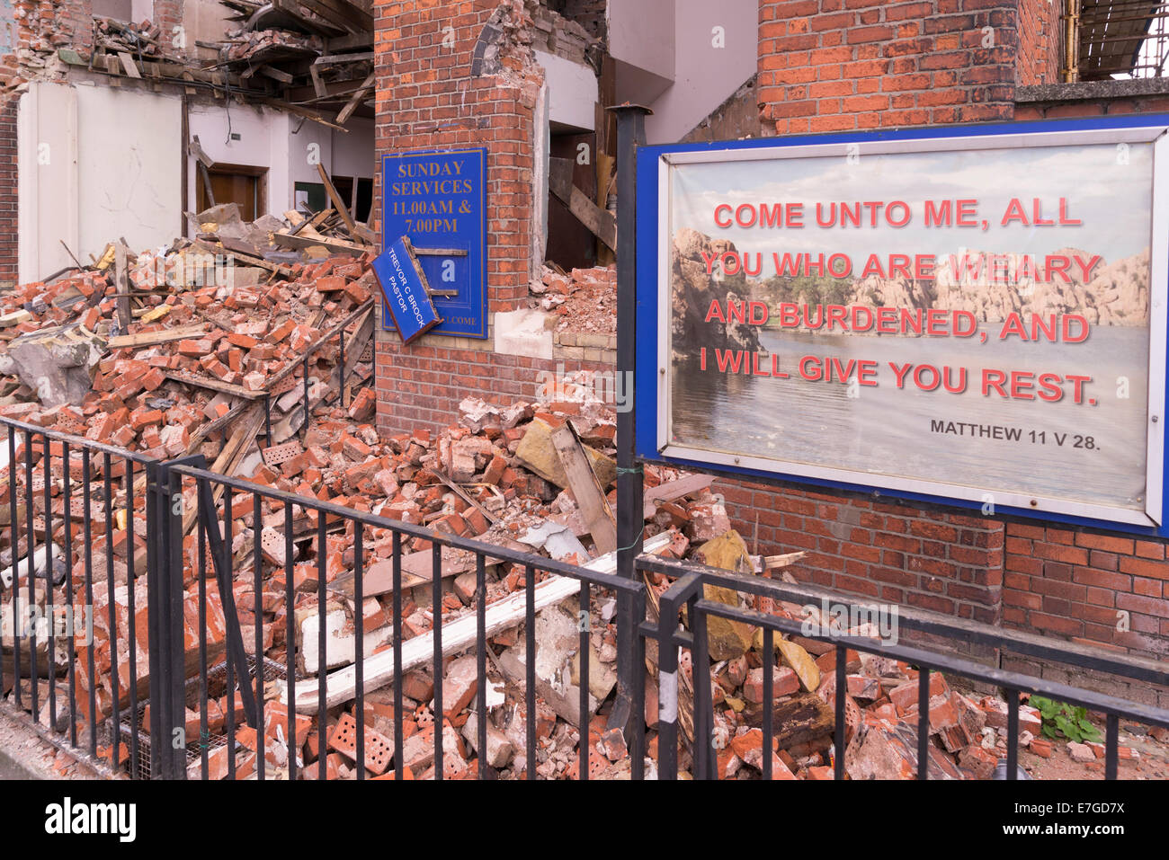 church being torn down in Belfast, 12.8.2014 - Stock Image