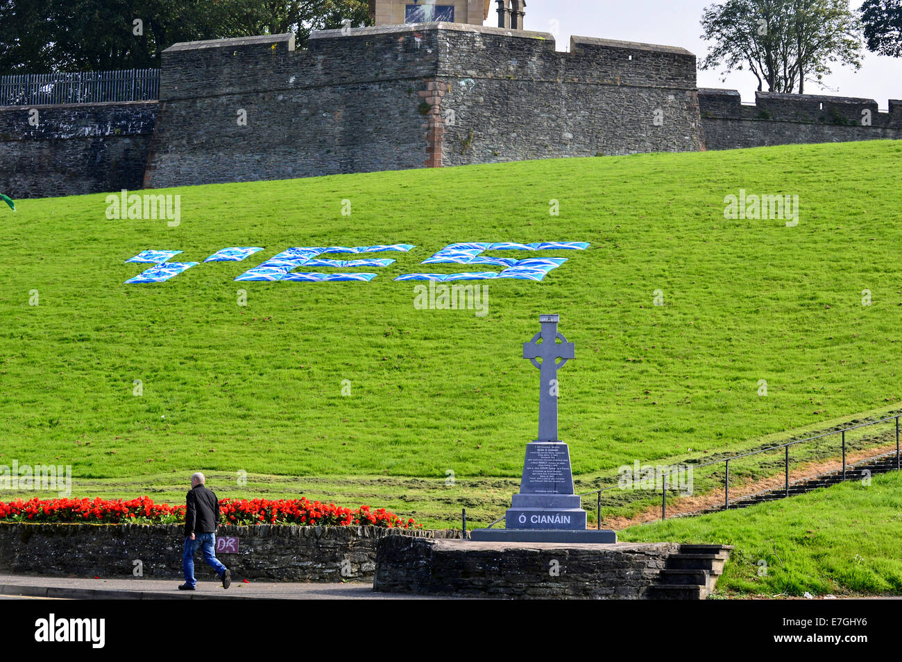 Derry, Londonderry, UK. 17th September, 2014. Support in Bogside for Scottish Yes vote, Derry, Londonderry, UK  - Stock Image