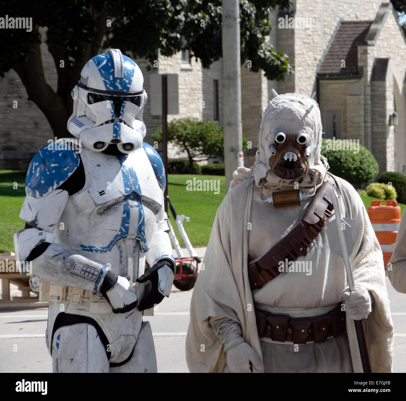Star Wars characters clone trooper and Tusken Raider at Sputnikfest, Manitowoc, Wisconsin - Stock Image