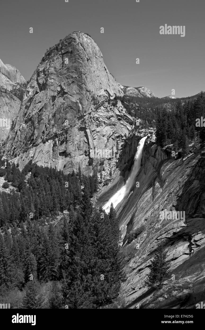 Nevada Fall, and the granite dome of Liberty Cap, on The Mist Trail, Yosemite National Park, California, USA - Stock Image