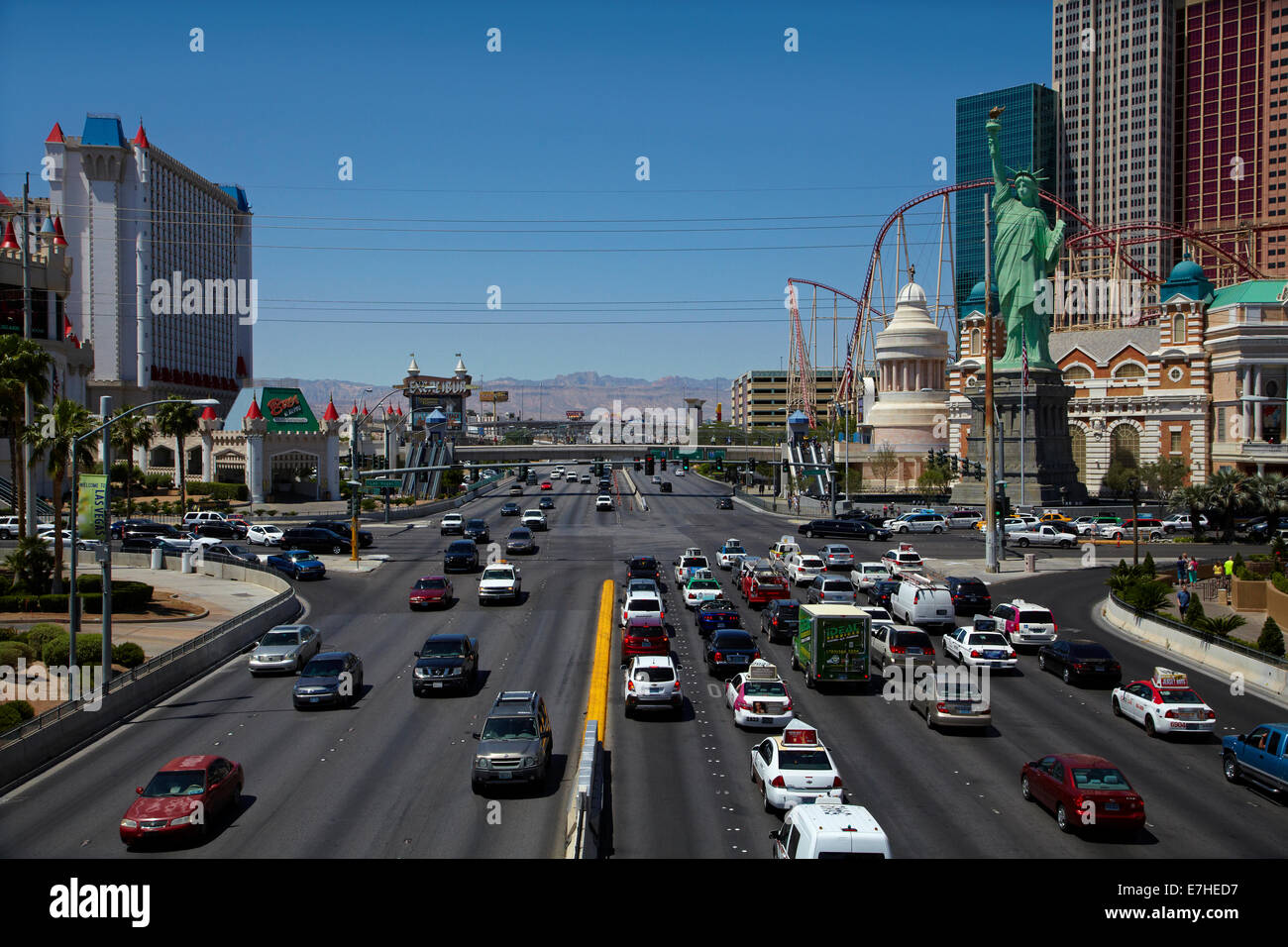 Traffic at the intersection of Tropicana Avenue and Las Vegas Boulevard (The Strip), Las Vegas, Nevada, USA - Stock Image