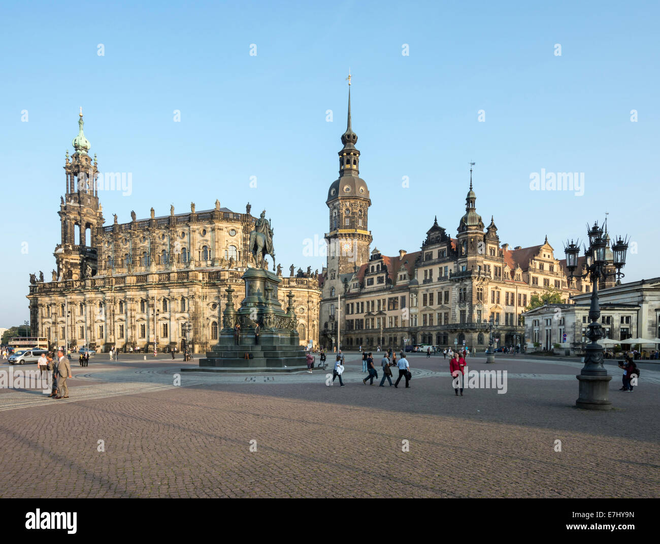 DRESDEN, GERMANY - SEPTEMBER 4: Tourists at the Theaterplatz in Dresden, Germany on September 4, 2014. - Stock Image