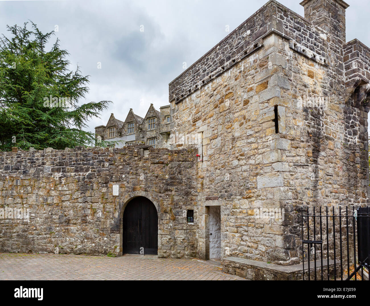 Entrance to Donegal Castle, Donegal, County Donegal, Republic of Ireland - Stock Image