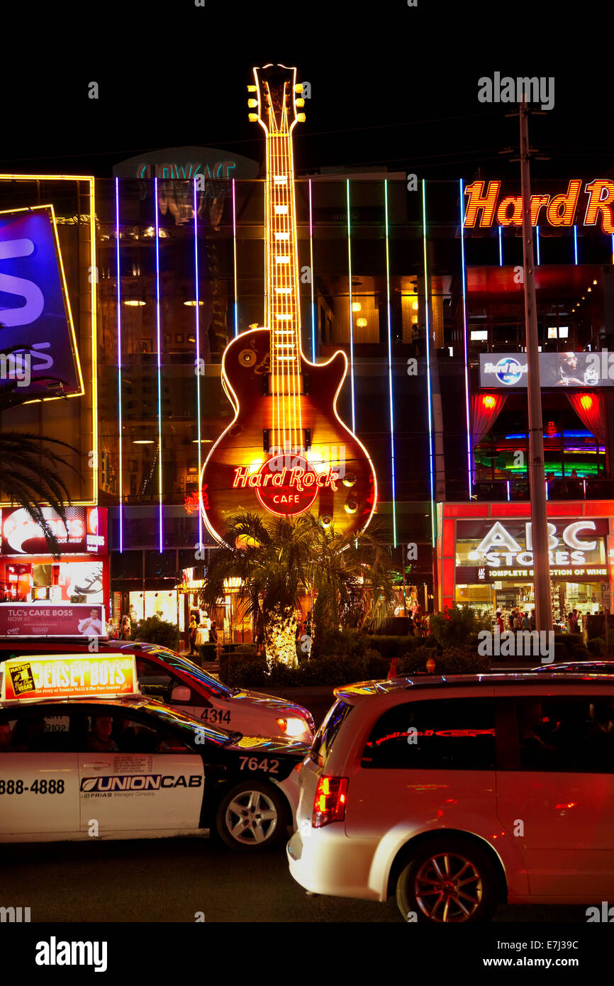 The Hard Rock Cafe and traffic along The Strip at night, Las Vegas, Nevada, USA - Stock Image