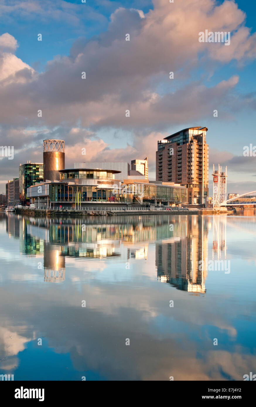 The Lowry Centre & Theatre, Salford Quays, Greater Manchester, England, UK - Stock Image