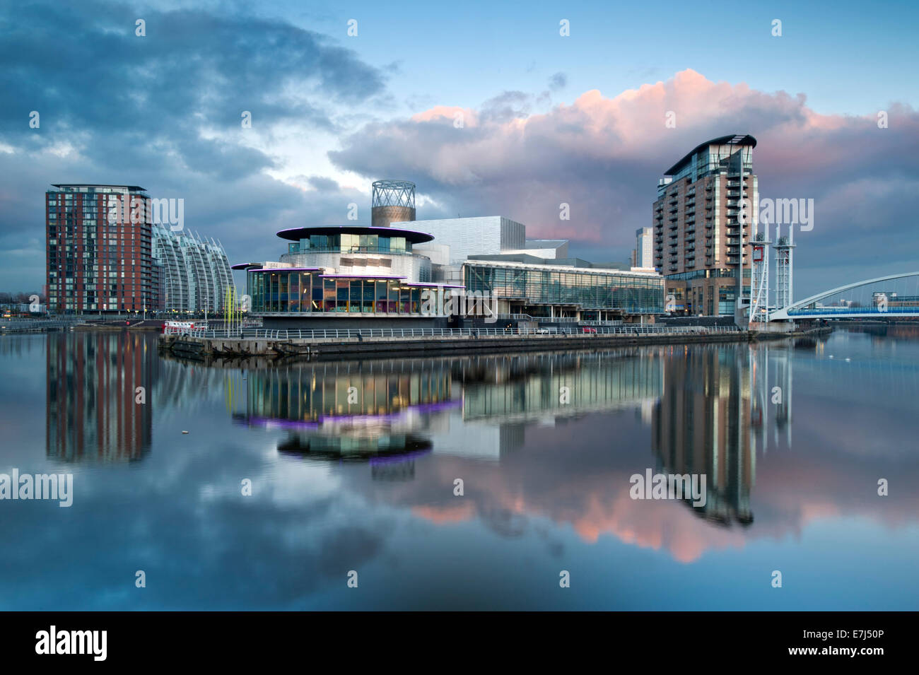The Lowry Centre at Dusk, Salford Quays, Greater Manchester, England, UK - Stock Image