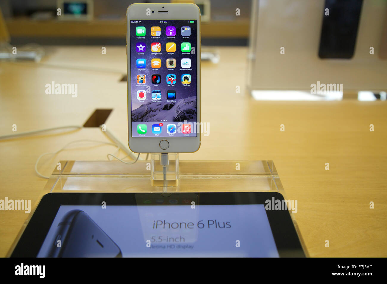 Sydney, Australia. 19th Sep, 2014. The new iPhone 6 Plus on the release day at the flagship Apple store on George Stock Photo