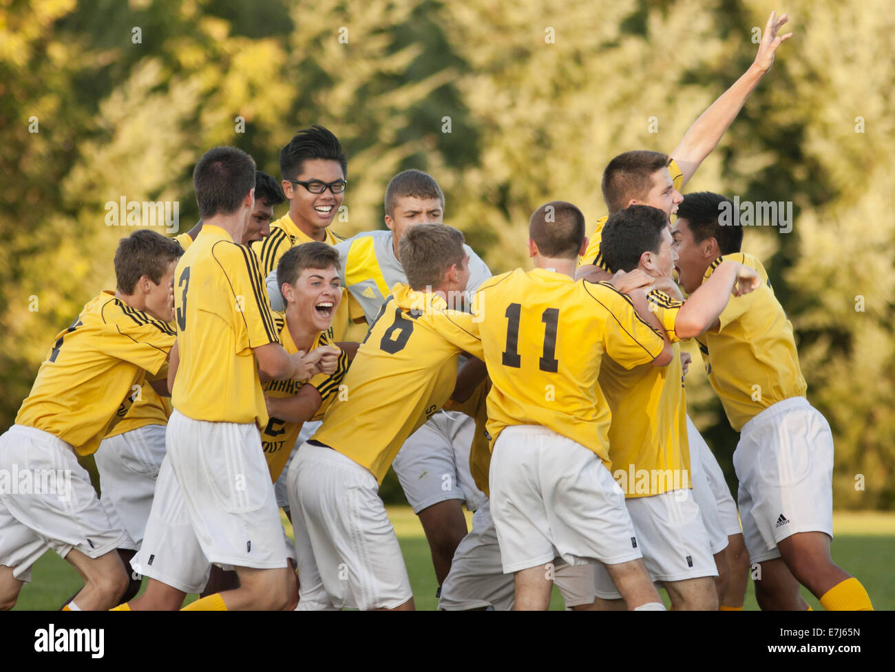 Thiells, New York, USA. 18th Sep, 2014. Clarkstown South players celebrate after scoring with 6.7 seconds left in - Stock Image