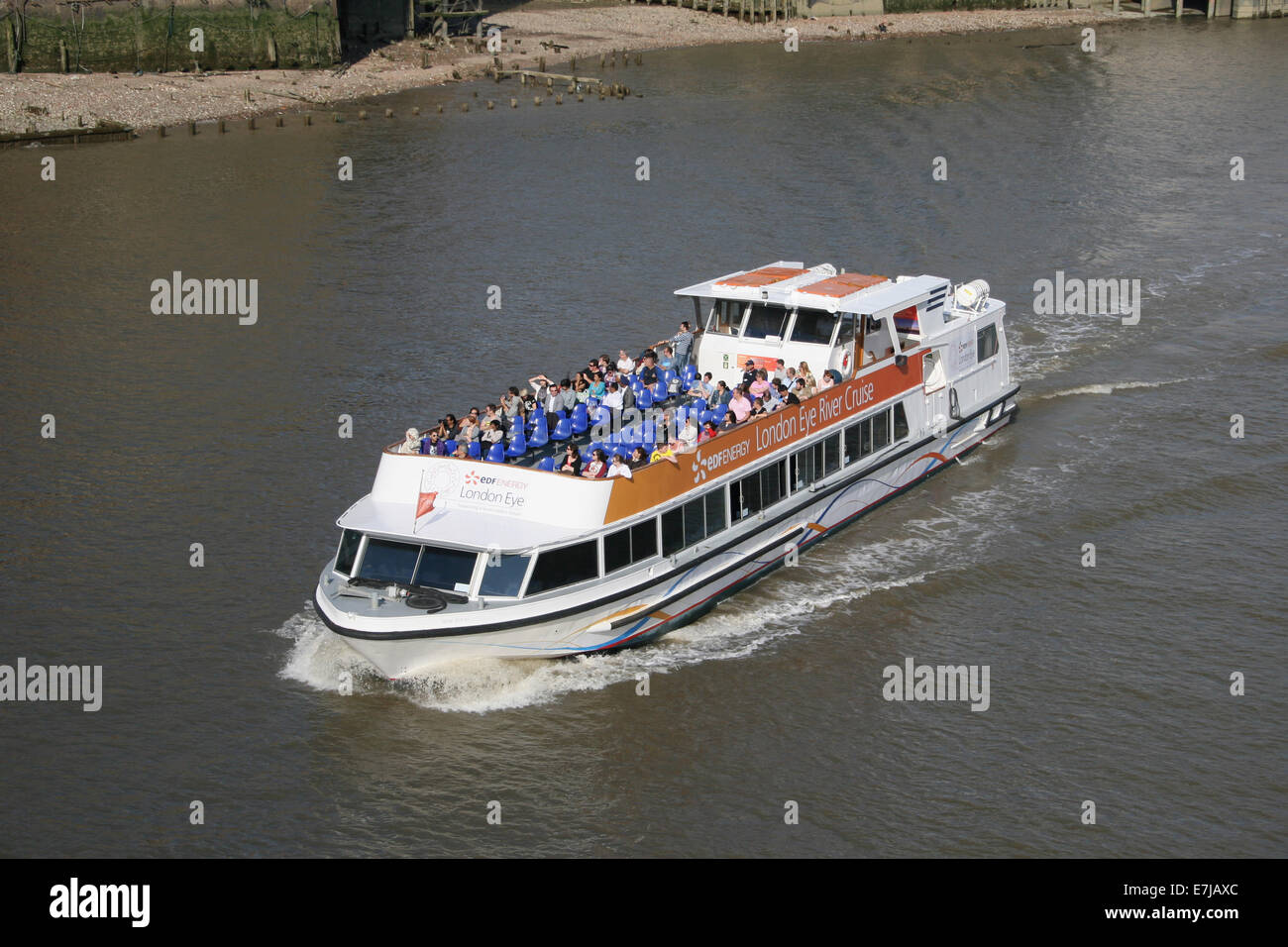 RIVER THAMES CRUISE TOUR BOAT LONDON - Stock Image