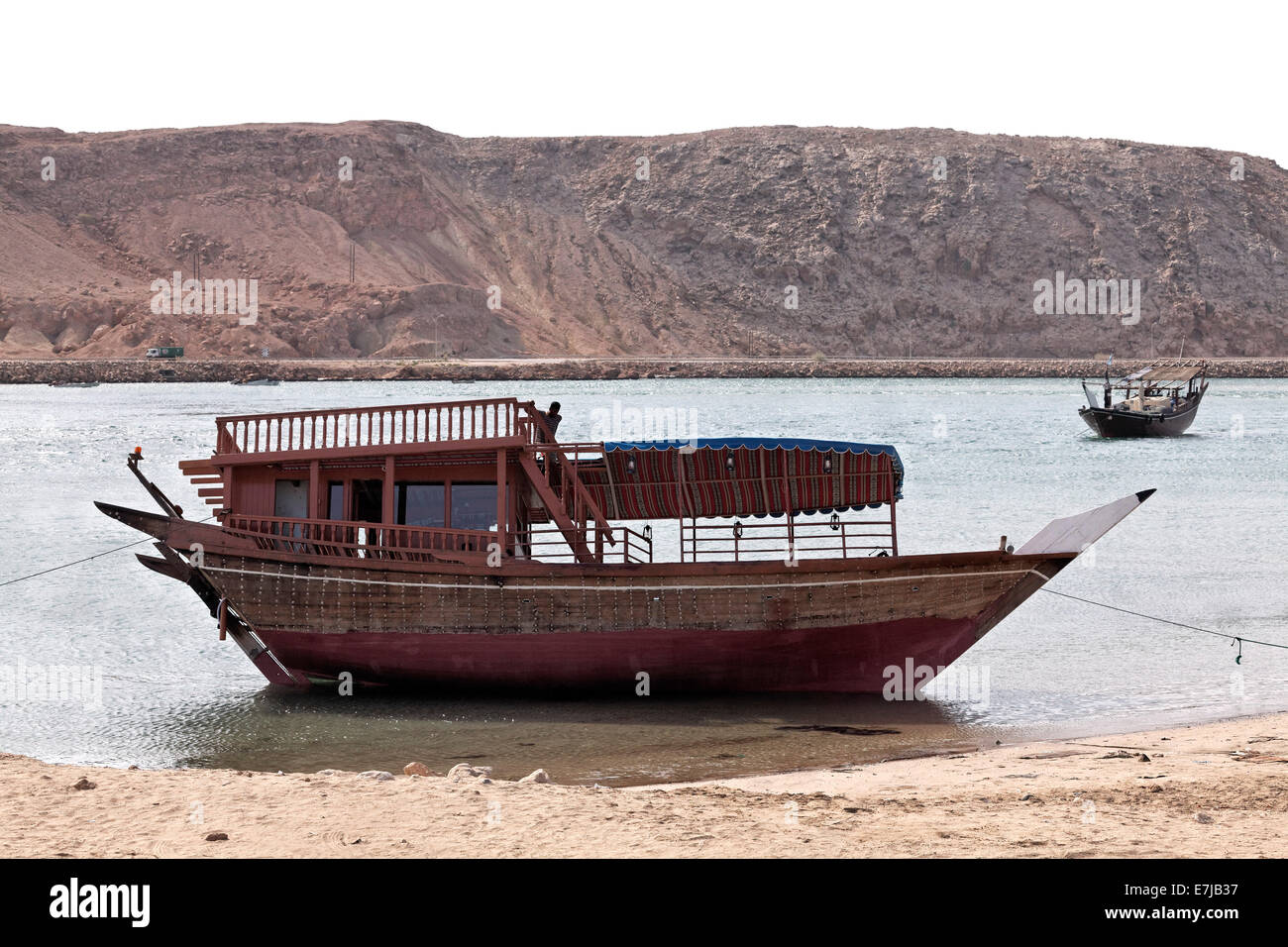 Dhow-ships in the harbour of Sur, Ash Sharqiyah province, Sultanate of Oman, Arabian Peninsula - Stock Image
