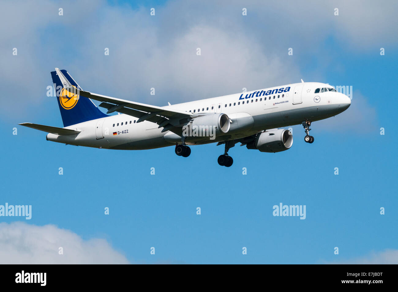 Lufthansa Airbus A320 aeroplane on approach to land with