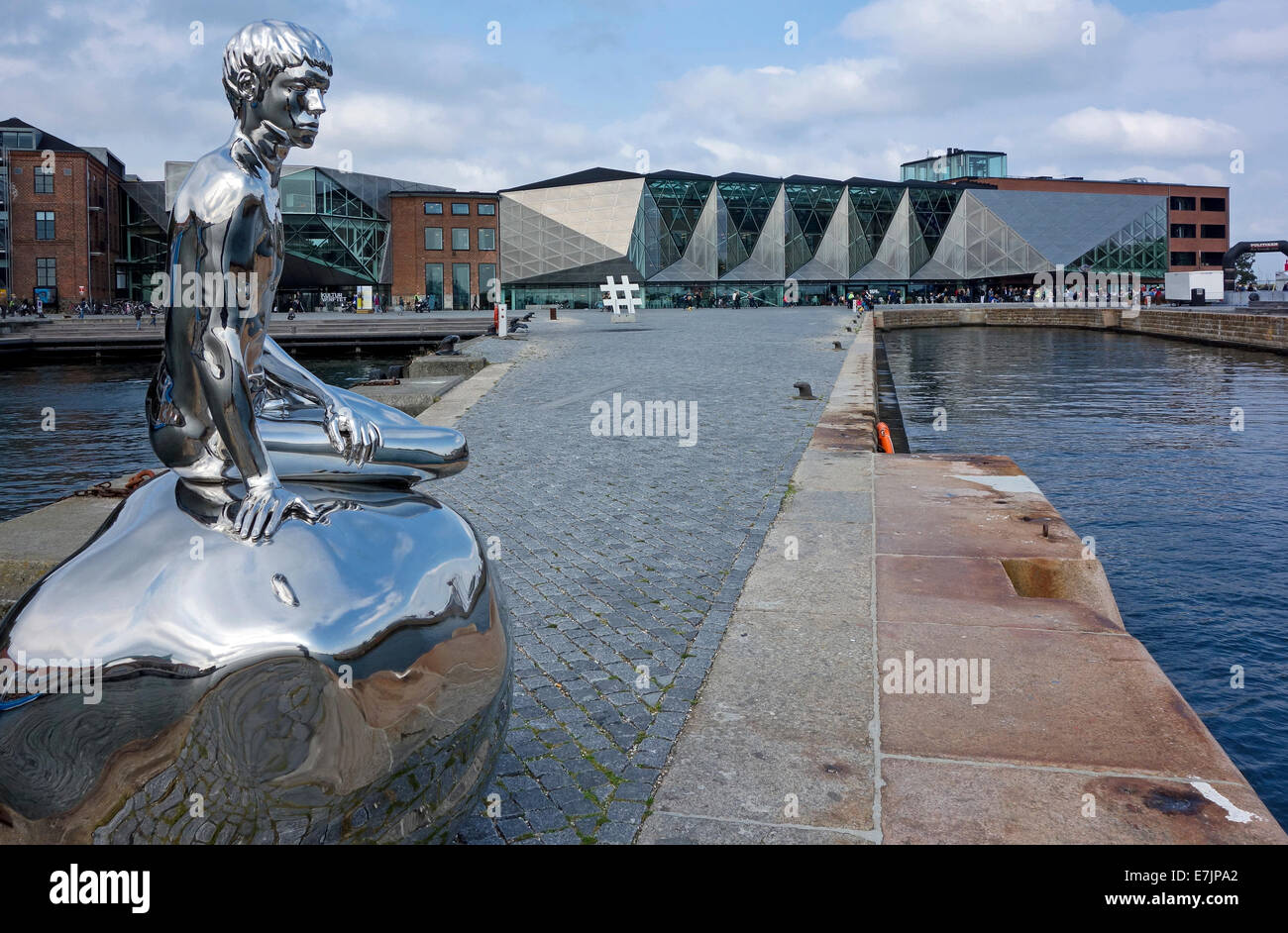Kulturvaerftet og Bibliotek (The Culture Yard and Library) on the waterfront in Elsinore Denmark with sculpture - Stock Image