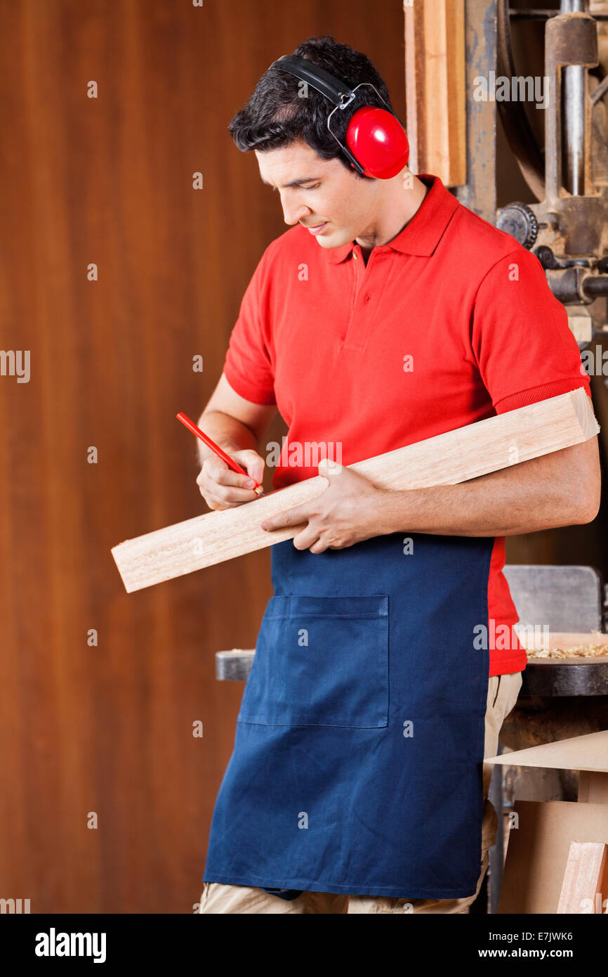 Carpentry Carpenter Woodworker Woodworking Wooden: Carpenter Mark Wood Stock Photos & Carpenter Mark Wood