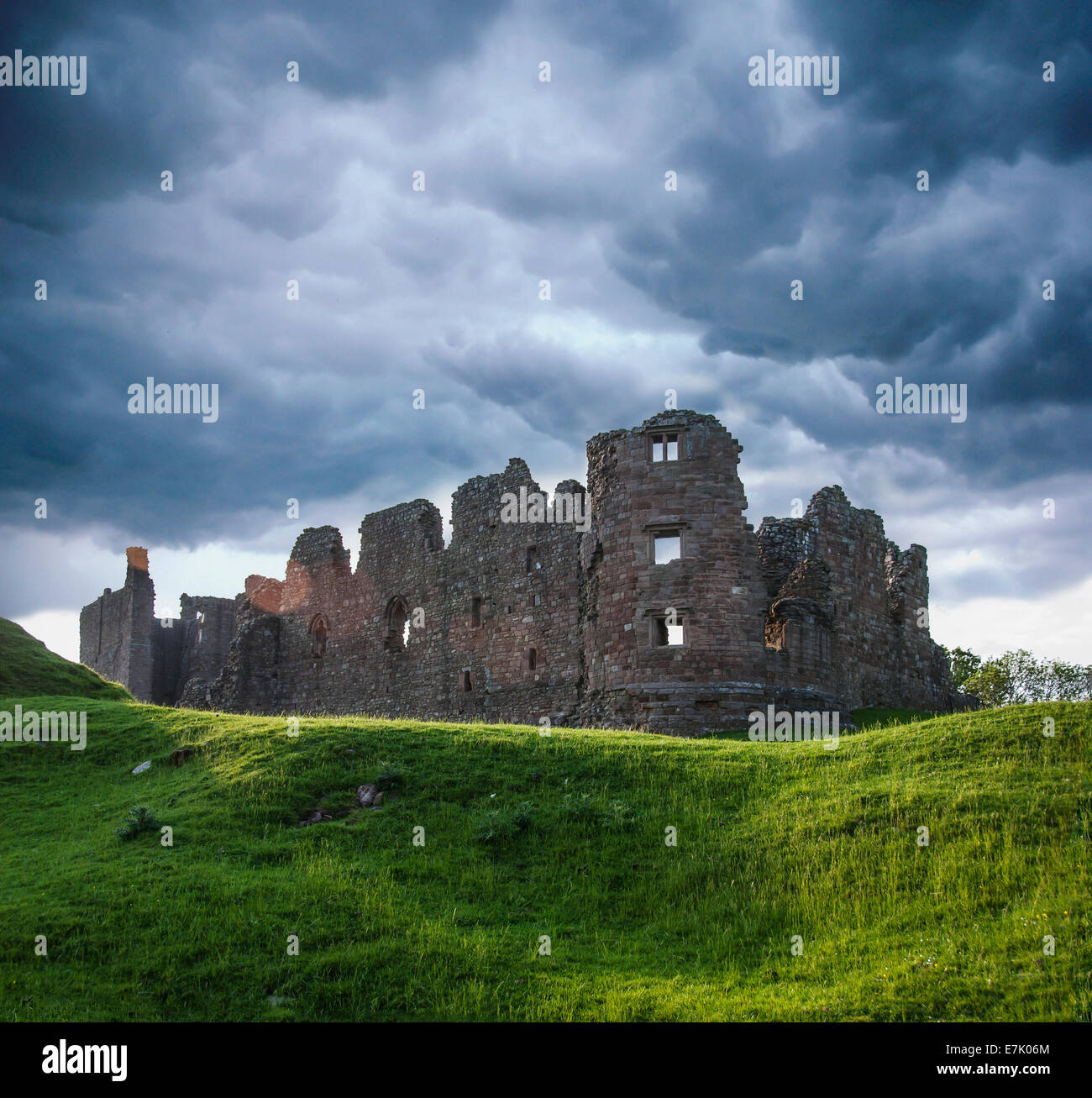 Built in 1090, ruined castle in the village of Brough, Cumbria, England - Stock Image