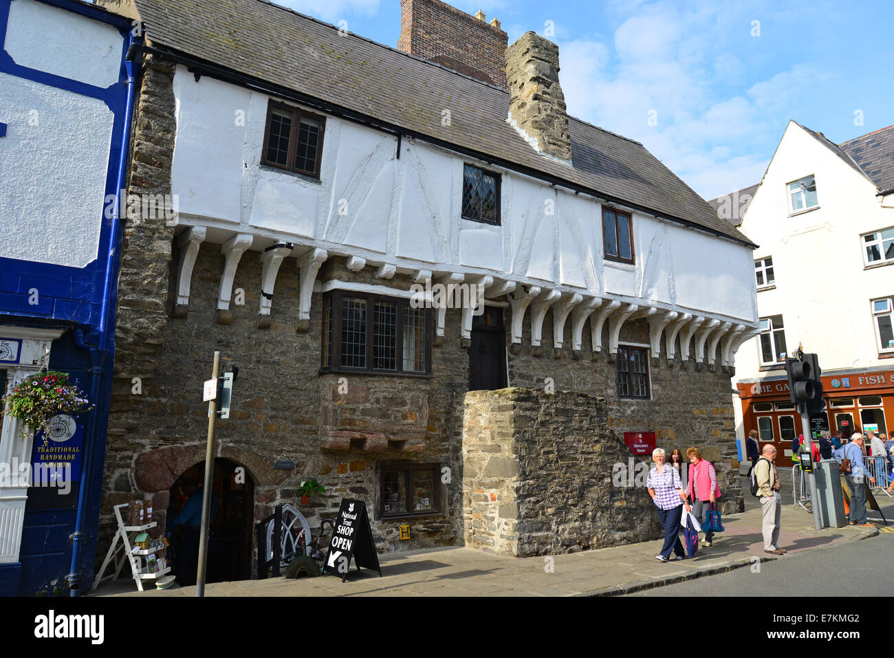 14th century merchant's Aberconwy House, Castle Street, Conwy, Conwy County Borough, Wales, United Kingdom - Stock Image