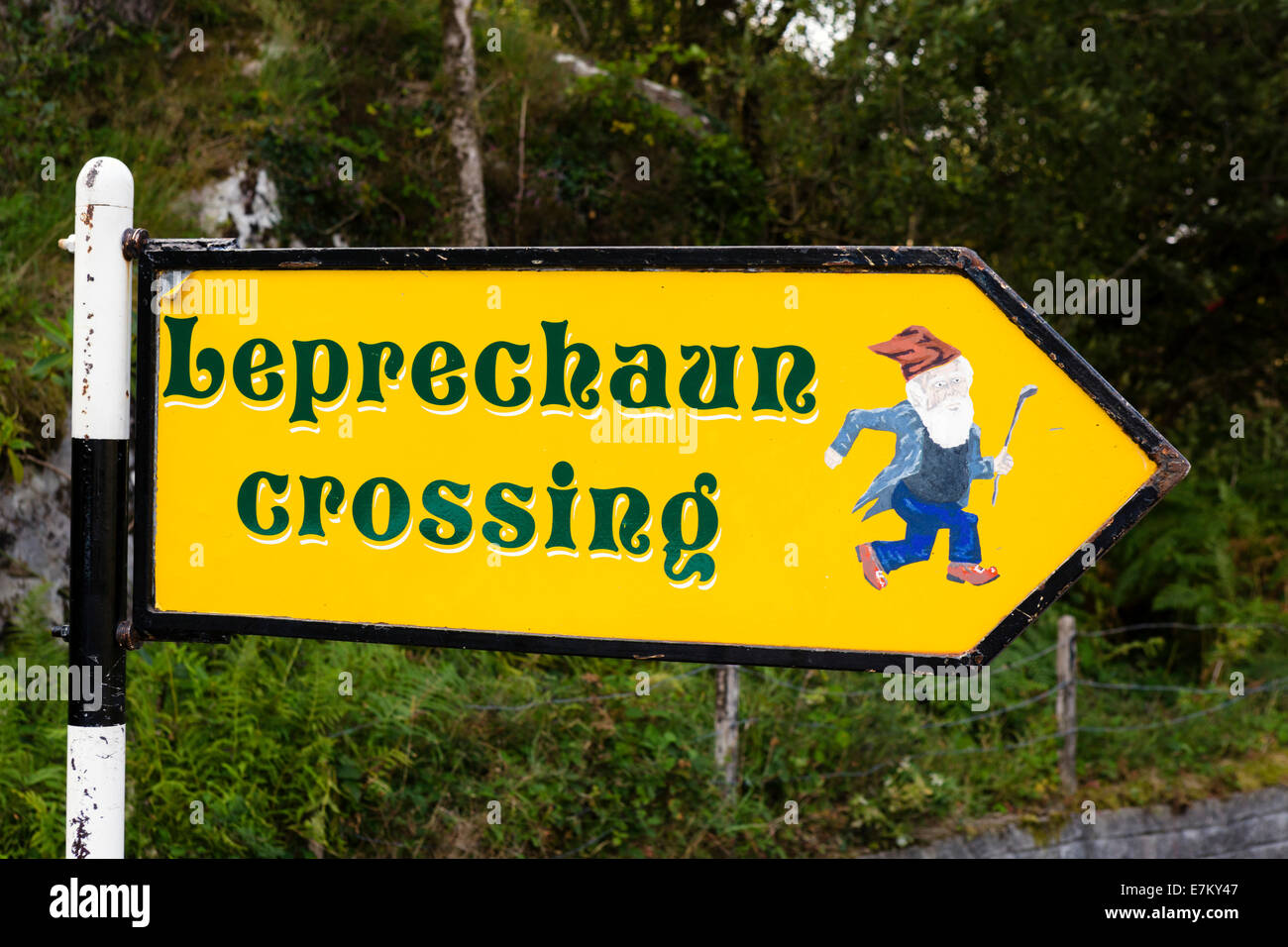 Leprechaun Crossing sign at Ladies View on the N71 Ring of Kerry, Killarney National Park, County Kerry, Republic - Stock Image