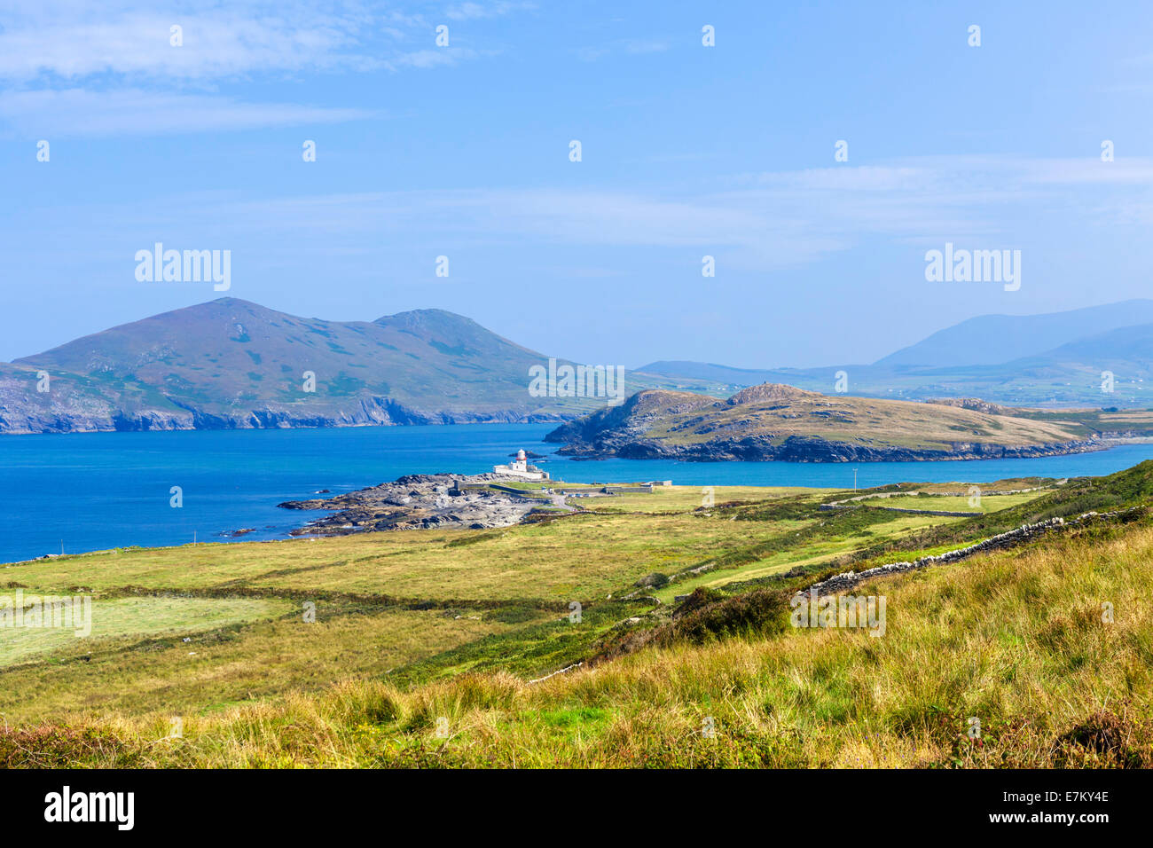 View over Valentia Lighthouse on the western side of Valentia Island, County Kerry, Republic of Ireland - Stock Image