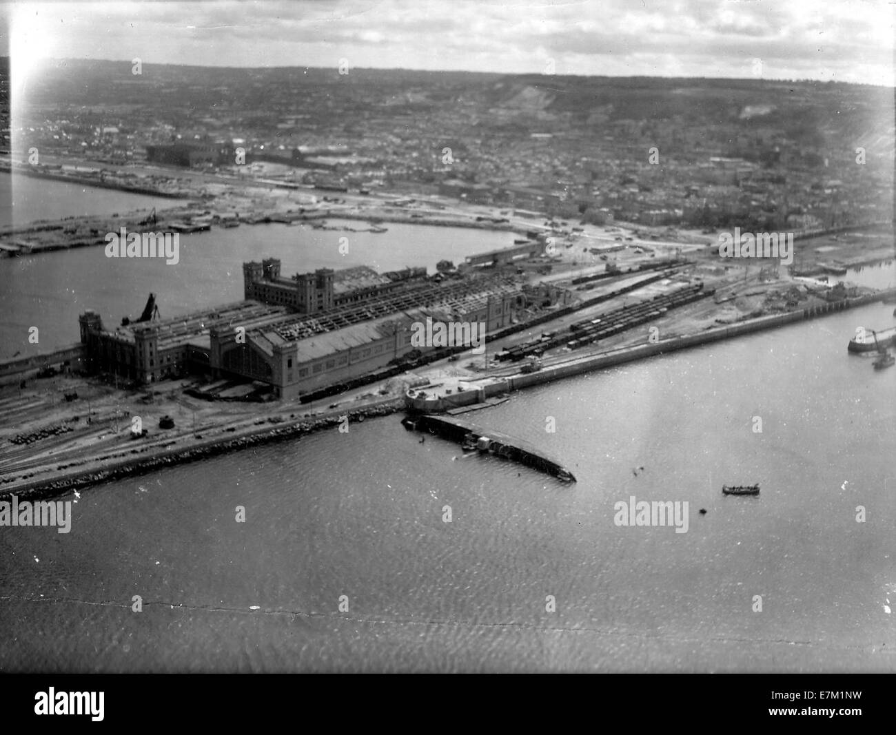 Cherbourg gare maritime 1944 vue aerienne - Stock Image