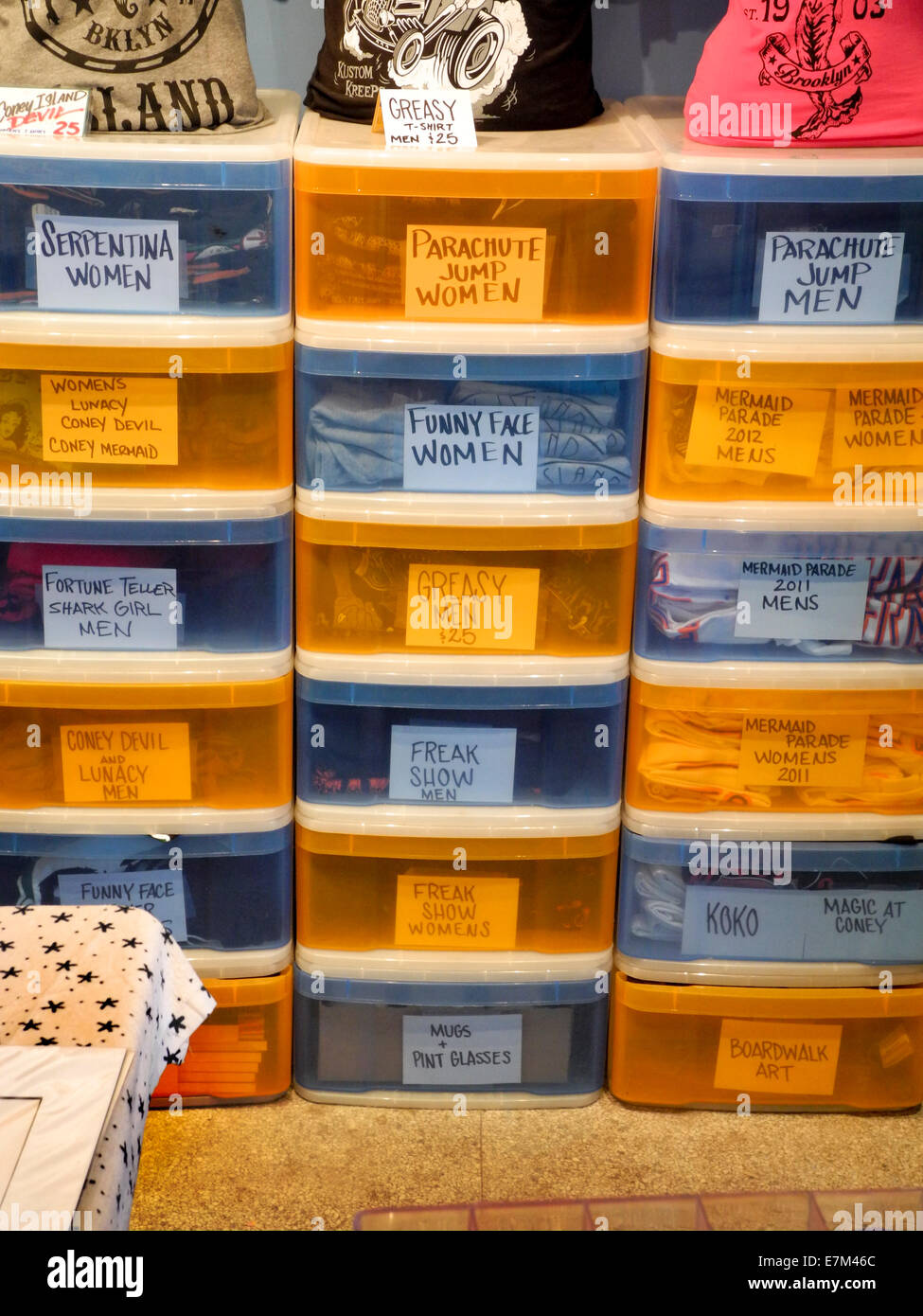 Charmant The Humorous Names Of Art Work On T Shirt Storage  Boxes At A Coney E7M46C