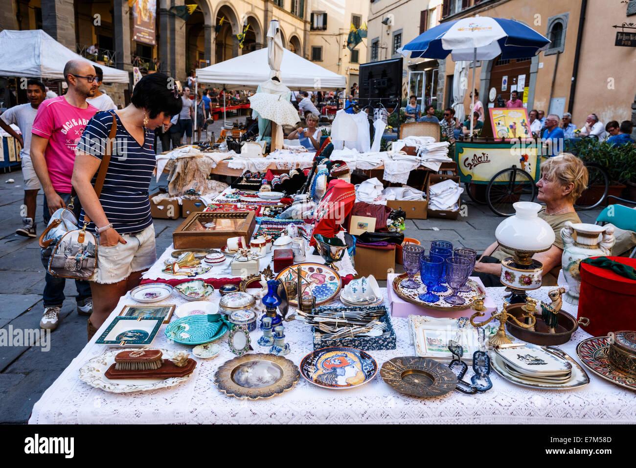 Flea market in Cortona, Tuscany, Italy. - Stock Image