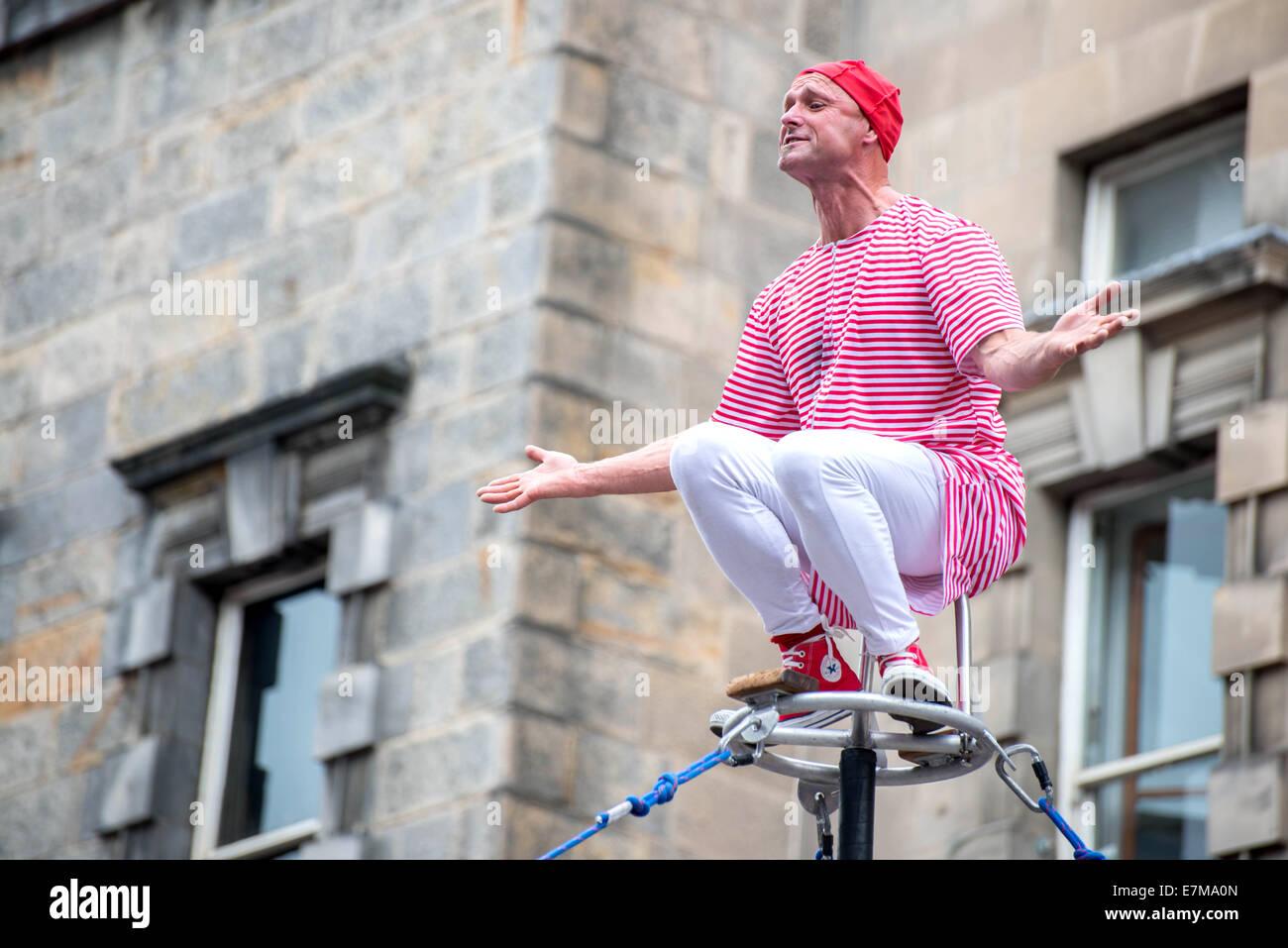 Street Performance at Edinburgh Fringe Festival 2014 - Stock Image